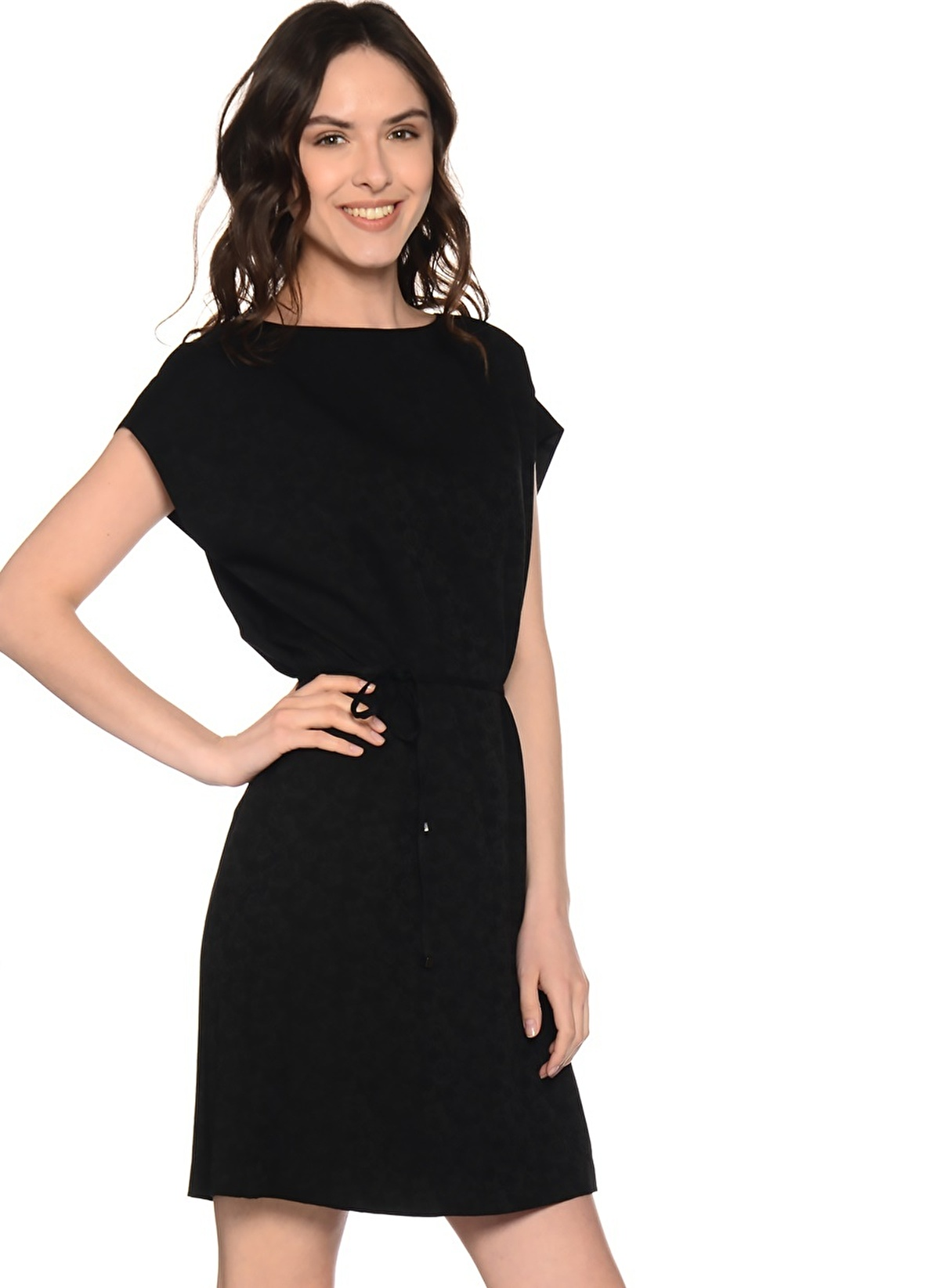 69ca6a8f152f7 Fabrika Kadın Yarım Kollu Günlük Kısa Elbise Siyah | Morhipo | 18896063